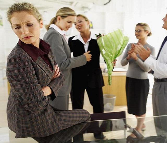 Не складываются отношения в коллективе на работе
